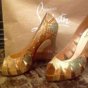 Christian Louboutin Snake Leather Peep Toe 39